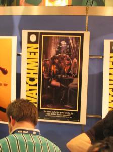 A DC colocou em seu booth alguns pôsteres com novas imagens de Watchmen. Como esse ai...